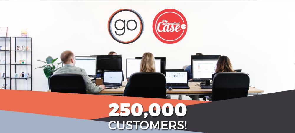 250 000 customers